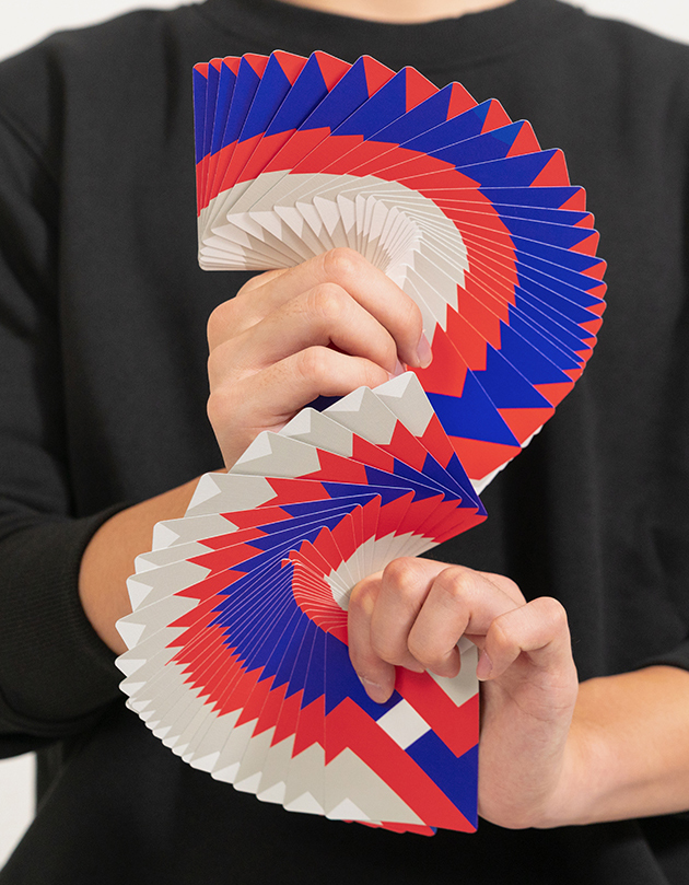 Fanning cardistry